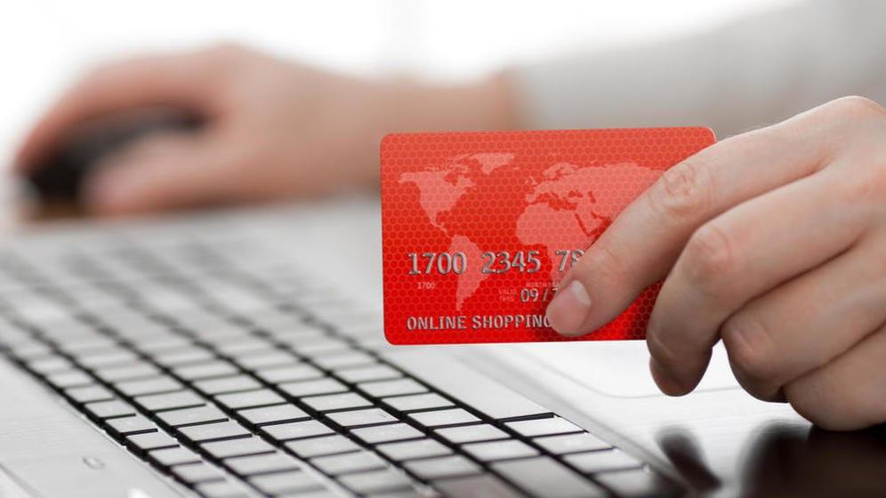 Alrededor de una de cada cuatro compañías en Alemania, 23 por ciento para ser precisos, venden sus bienes y/o servicios a través de sitios web, aplicaciones móviles o a través de intercambio de data electrónico.