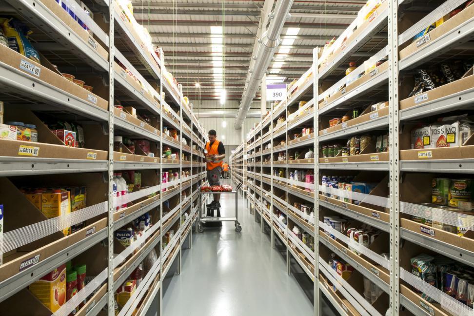 La entrada de Amazon al mercado de e-commerce suizo rea inminente. El gigante del e-commerce americano firmo un contrato de cooperación con Swiss Post